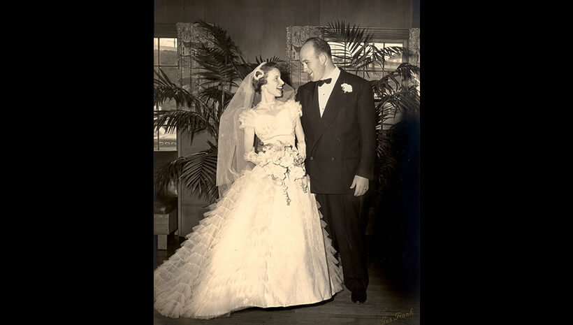 Booker e Annis Noe no Bardstown Country Club durante a recepção do casamento – 1956.
