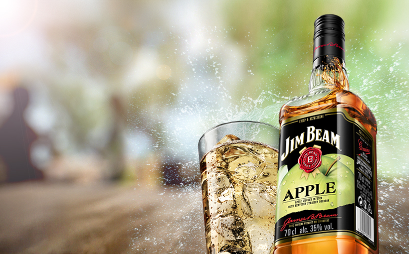 Packshot of Jim Beam® Apple